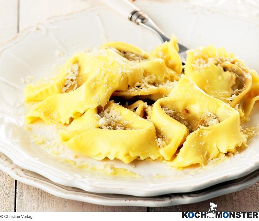 tortellini mit kalbfleisch und parmesan kochmonster. Black Bedroom Furniture Sets. Home Design Ideas